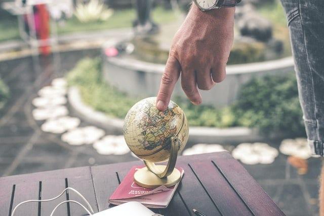 glocalization and globalization